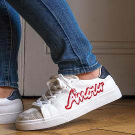 On envoie plein d'amour !   Avec cette paires de baskets, ajoutez une touche de ❤️❤️❤️ à vos looks !  👟 39,90 € . . . . . . . #falbala #automn #lyon #lyonnaise #nouvellecollection #basket #chaussures #sneakers #femme #musthave