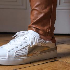 Pour un look sportswear mais chic, cette paire de sneakers est parfaite 🤩 Tu valides👟🖤 ?   . . . . . . . . . . . . #falbala #backtoschool #nouvellecollection  #basket #tendance #chaussures #new #newcollection #sneakers #femme #chaussuresfemme #shoesaddict #falbala