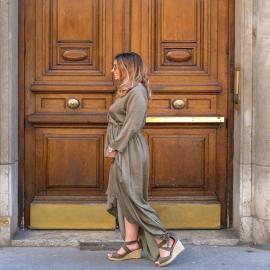 On commence la semaine par un look de @caarlattachante avec nos jolies sandales compensées Hélène. 💚 Retrouvez-les en 7 coloris. Une jolie paire efficace, qu'en pensez-vous ? ☀️  Partagez votre look avec votre paire de chaussure Falbala en utilisant le hashtag #falbalagirl  . . . . .  . . . . .  #shoes #shoesaddict #shoeslover #falbala #sun #tan #pink #moodoftheday #moodygrams #lifestyle #fashion #fashionstyle #fashionaddict #lover #fashion #fashionstyle #mode